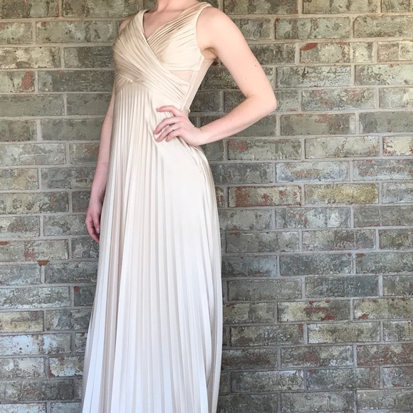Gold cocktail dress size 18